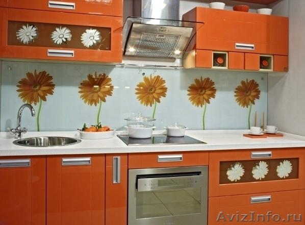 Light style фартук для кухни из стекла с