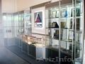 Музейное оборудование,  витрины и стенды